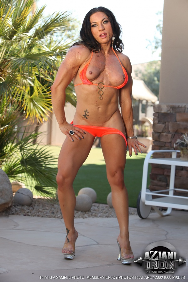 AzianiIron Presents a nude photo gallery of Ripped Vixen ...